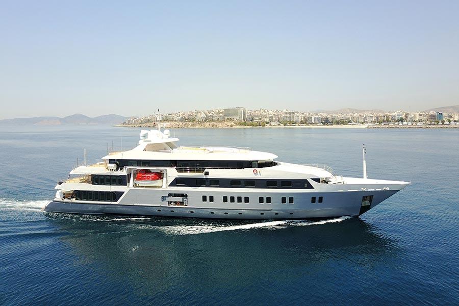 Motor Boat AUSTAL Custum 72 M Yacht 60 Charter Ibiza